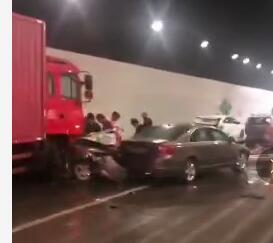 betway必威体育平台西站隧道发生特大事故